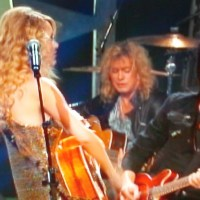 DVD REVIEW: Taylor Swift & Def Leppard - CMT Crossroads (2009)