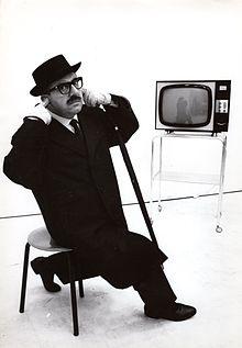 Marcello Marchesi, umorista e copywriter degli anni '60 che aveva già un ottimo aforisma sugli influencer...