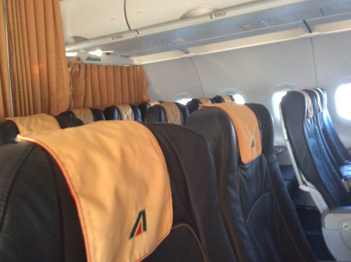 Short Review - Alitalia - Milan to Rome