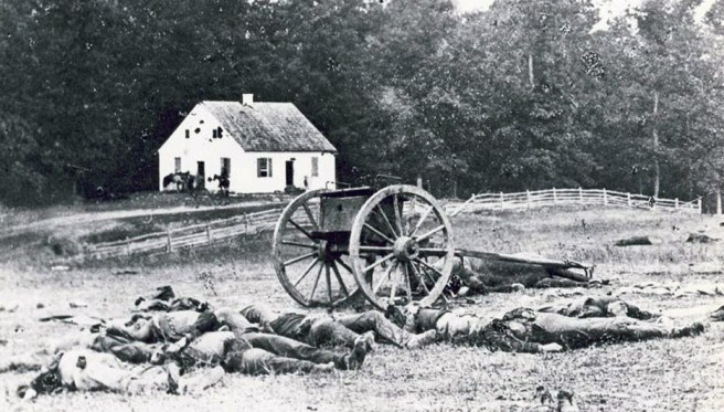 They say that the first casualty of war is the truth. A number of famous faked wartime photographs certainly support this old adage. Case in point: Experts believe that the Civil War battlefield photographer Alexander Gardner physically arranged the corpses in this famous photo taken after the 1862 battle of Antietam. Below are some other examples of similar trickery.