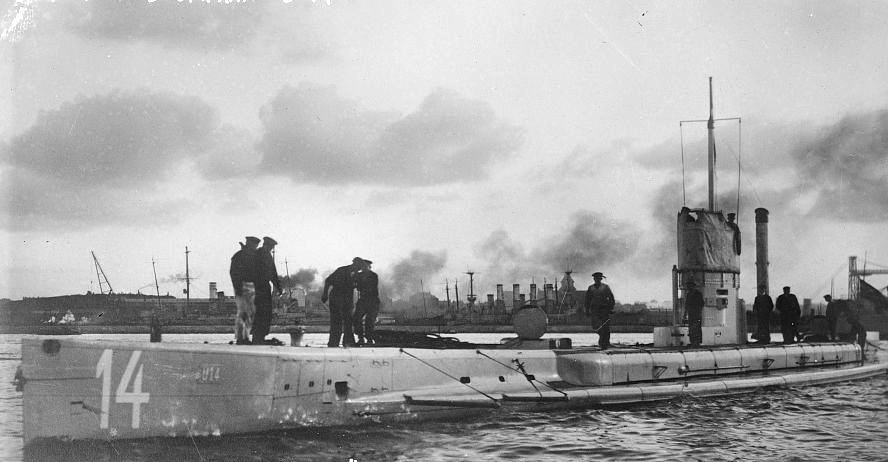 How did German submarine warfare change the concept of maritime war?