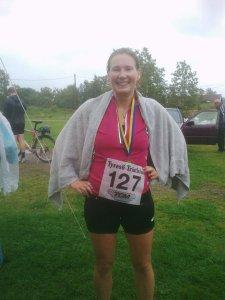 Glad efter avklarat triathlon i Alby friluftsgård