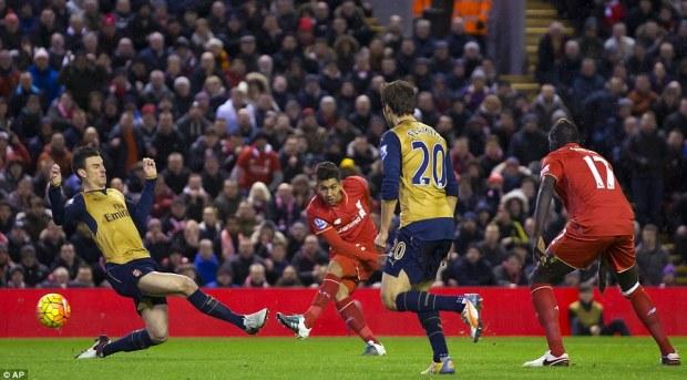 302420CA00000578-3398223-Liverpool_striker_Roberto_Firmino_centre_rifles_his_side_into_th-a-84_1452724033137