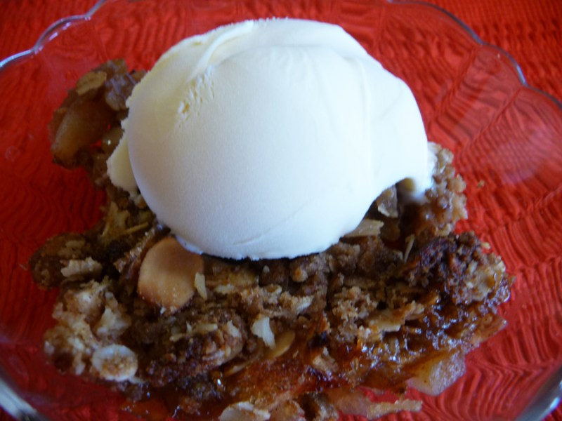 maple almond apple crisp