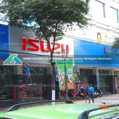 Bảng hiệu và mặt dựng Aluminum showroom Isuzu