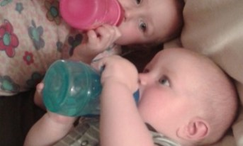They bond over matching sippies