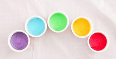 Kinderactiviteit: zelf eetbare verf maken | DIY