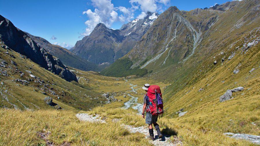 Podemos adaptar la práctica del senderismo a nuestras necesidades y capacidades físicas. / Tomas Sobek