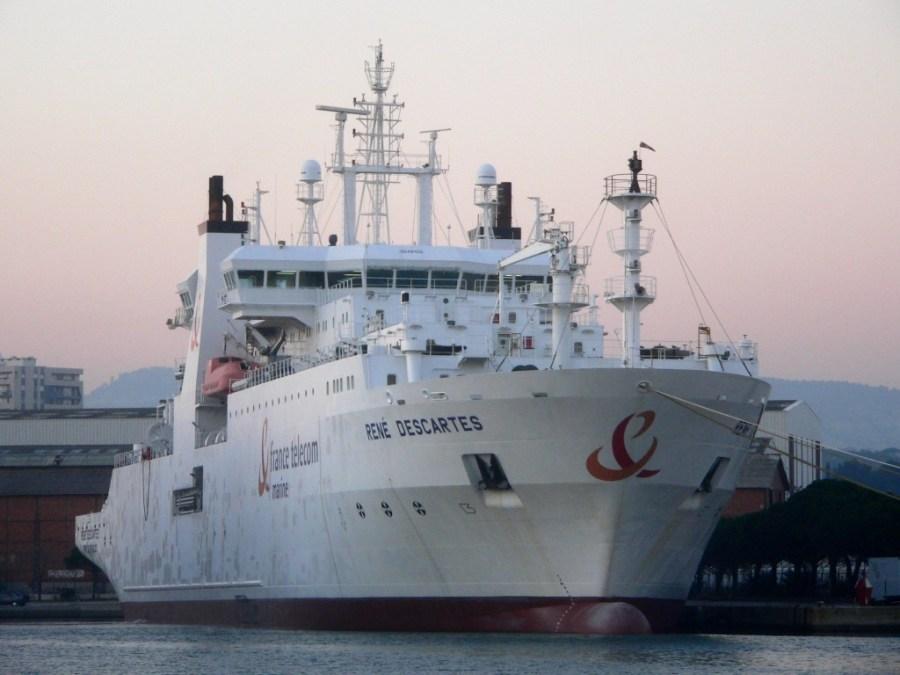 Barco utilizado para la instalación y reparación de los cables submarinos. / David Monniaux