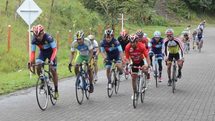 Legión De Ciclistas Putumayenses En La Vuelta Internacional Al Valle Máster