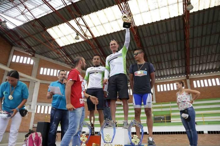 Vuelta Putumayo: nariñenses y locales dividieron honores, Marlon Pérez campeón élite