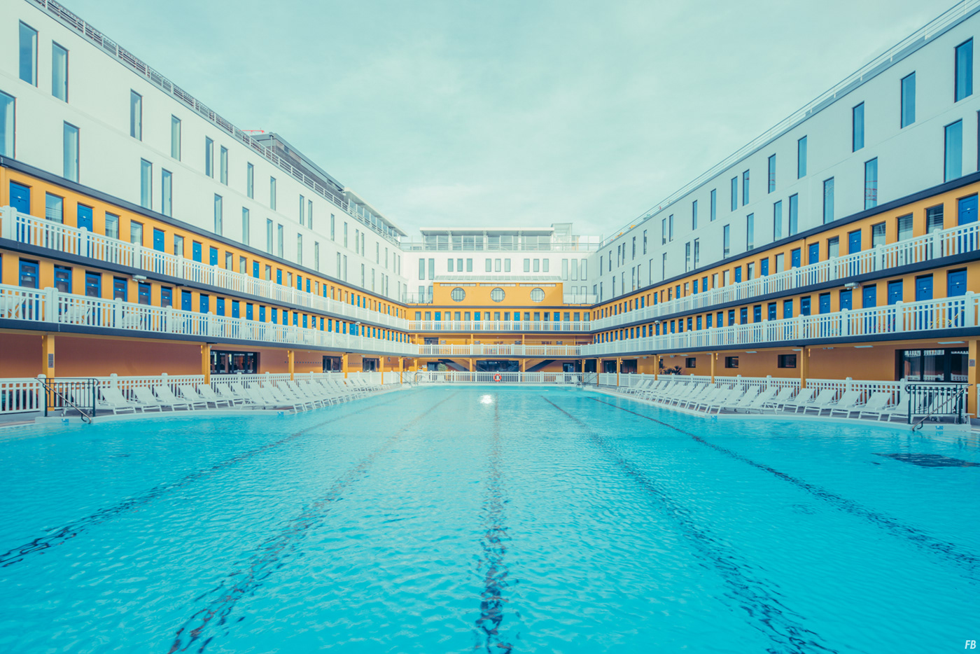 Hotel Molitor Piscine Molitor On Behance