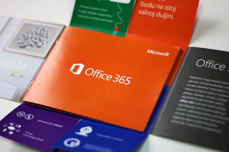Microsoft - Office 365 brochure on Behance