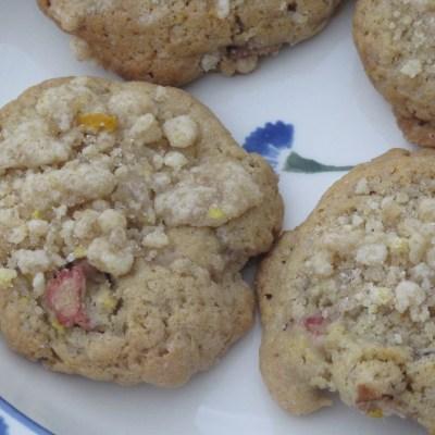 Rhubarb Crumble Biscuits