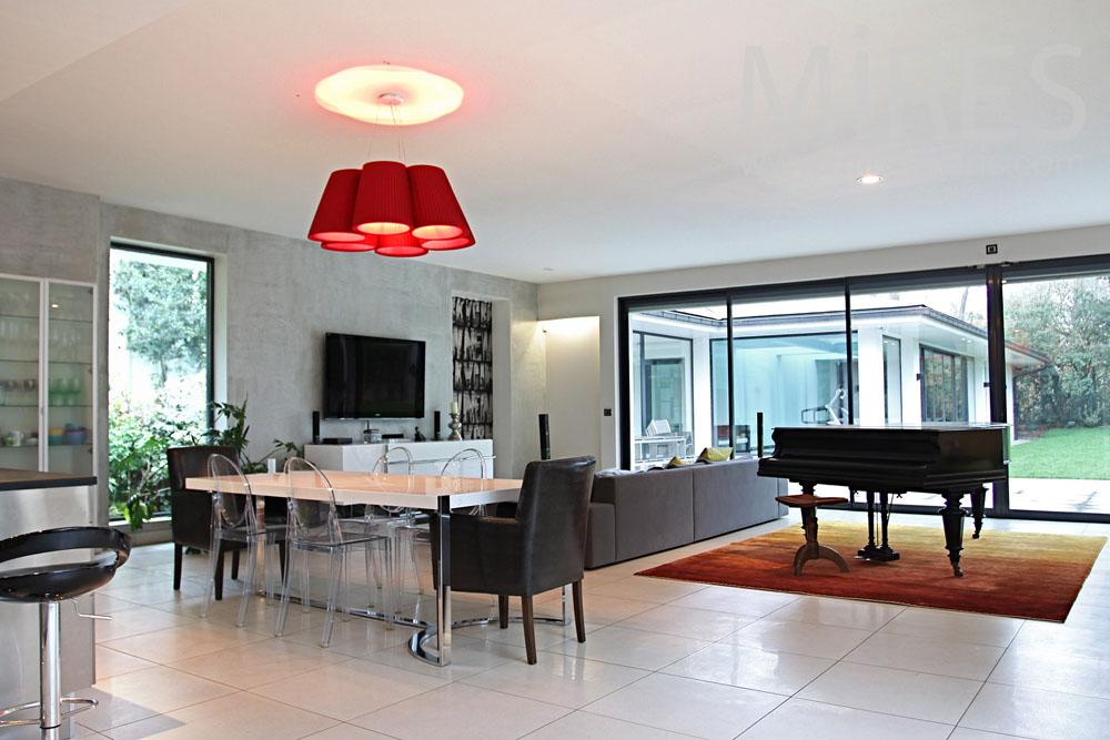 Salon Moderne Design | Porte Persienne : Une Décoration Pratique ...