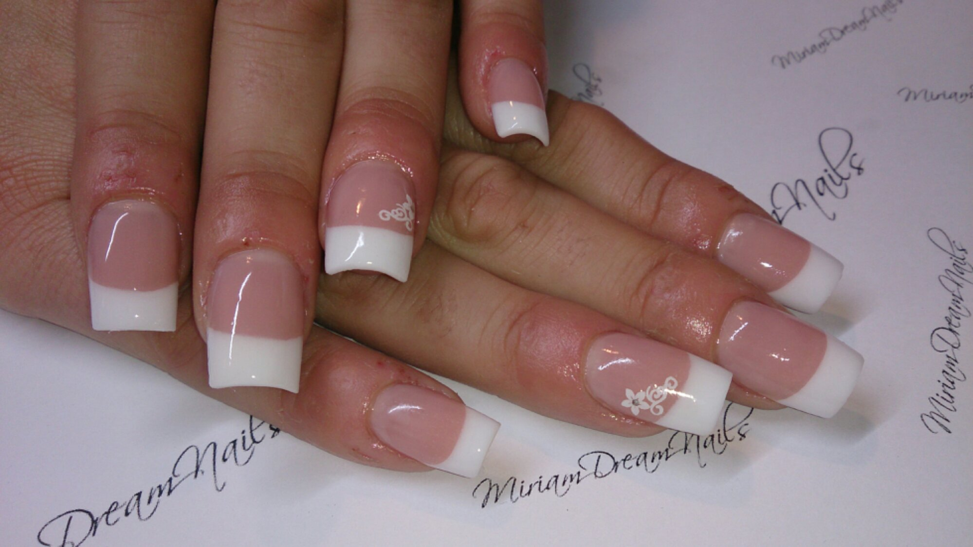Uñas De Novia Decoradas Francesa Con Flores Miriam Dream Nails