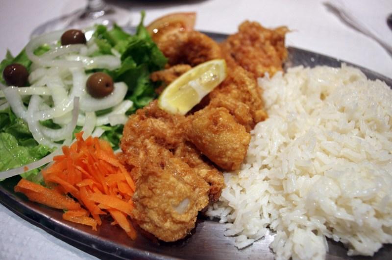 포르투에서 먹은 오징어 튀김 정식(?)