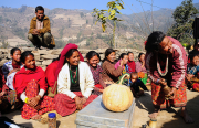 ASHA, an IDEX partner, offers sustainable agriculture training to women in the Nuwakot district of Nepal.  Photograph courtesy of Jan Sturmann.