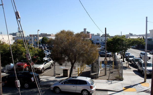 The parking lot currently on 17th and Folsom Streets will be turned into a park and a undetermined project by the Mayor's Office of Housing.