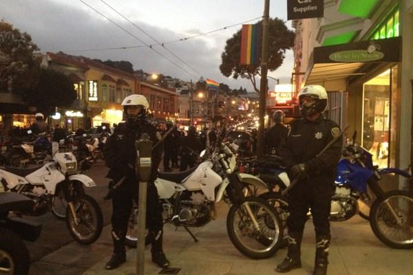 Police in front of 535-537 Castro Street. Photo by Rigoberto Hernandez.