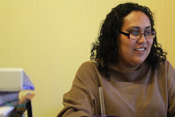 Susana Rojas en su oficina en Mission Girls en las calles 24 y Harrison del Distrito de la Misión.