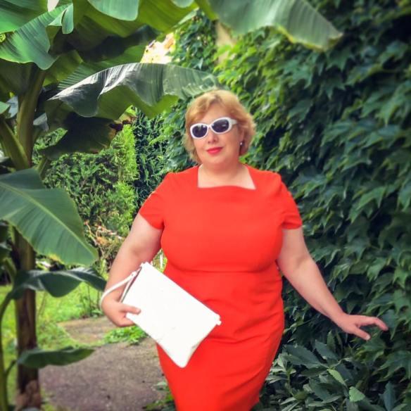 misskittenheel frenchcurves minimalisme orange shiftdress 05