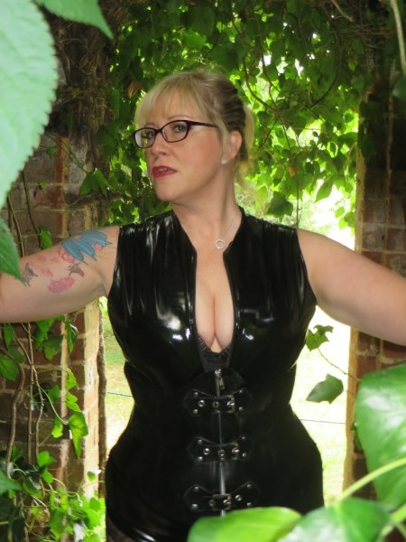 Massage At Home West Sussex Mistress Helen Ryder