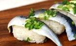 【コストコ】598円でたっぷり12貫! 『いわし酢〆寿司』はさっぱり酢じめ&脂のりで食べ放題気分に