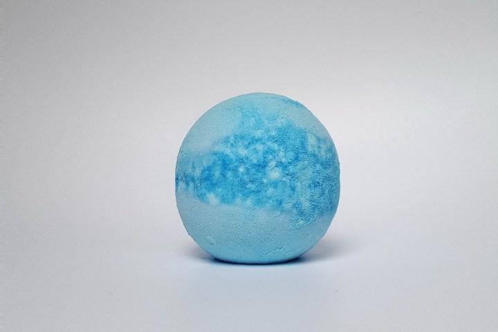 bomba-de-sal-de-banho-da-lush-frozen