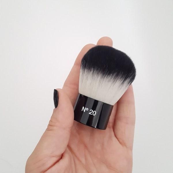 pincel-de-maquiagem-vult-cosmetica-kabuki-numero-20