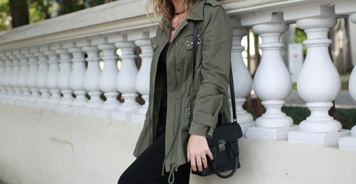 Look do dia Mix da Mel Campo parka militar + bota metalizada (4)