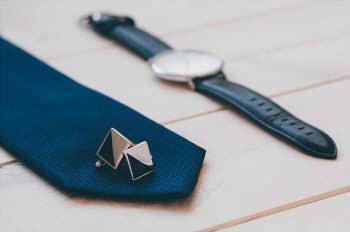 cufflinks-925004_640