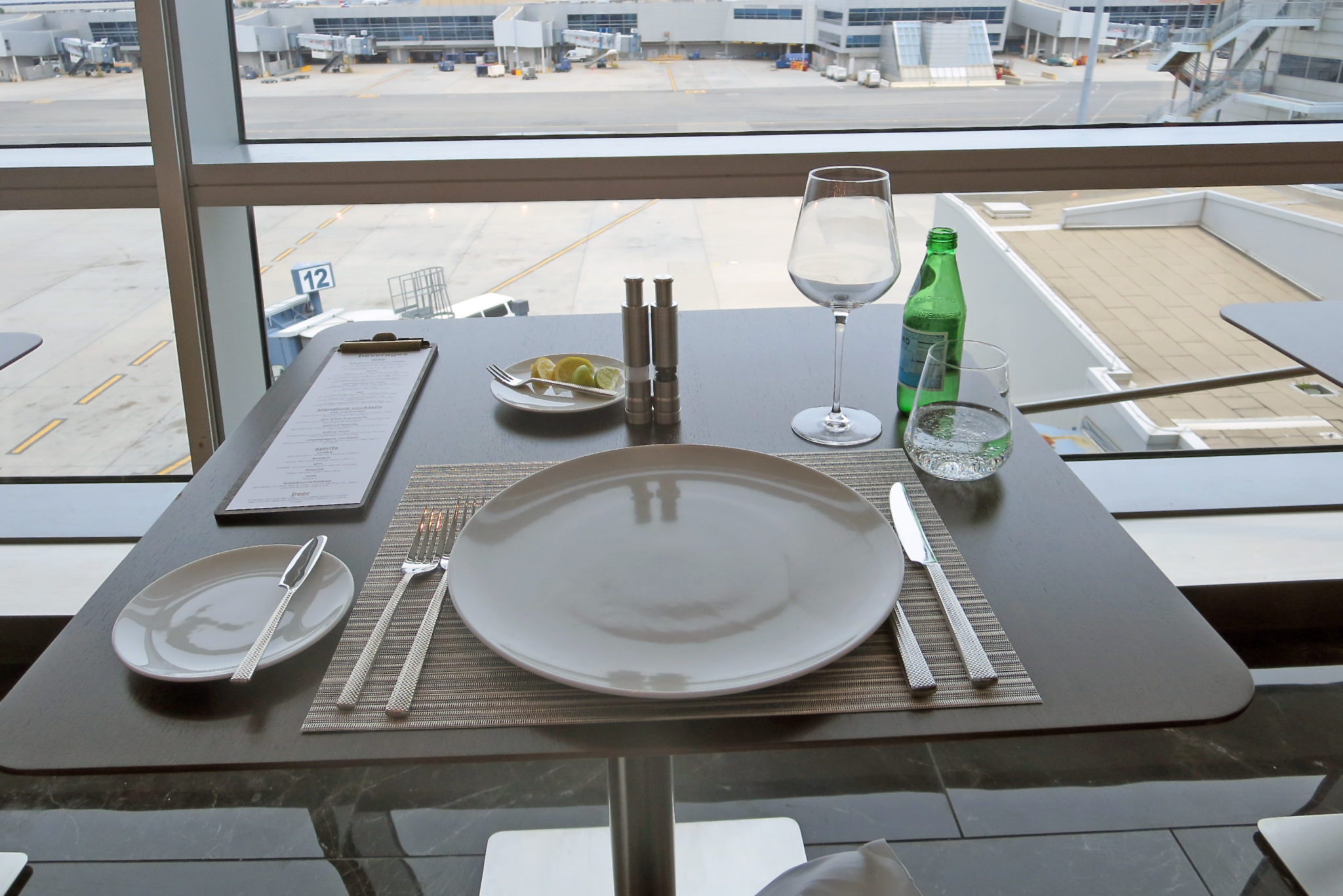 Dining Lounge Food With A View American Opens New Flagship First Dining At Jfk