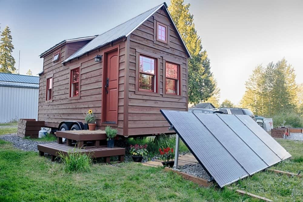 So You Think You Want a Solar-Powered Tiny House? 9 Reasons to Think