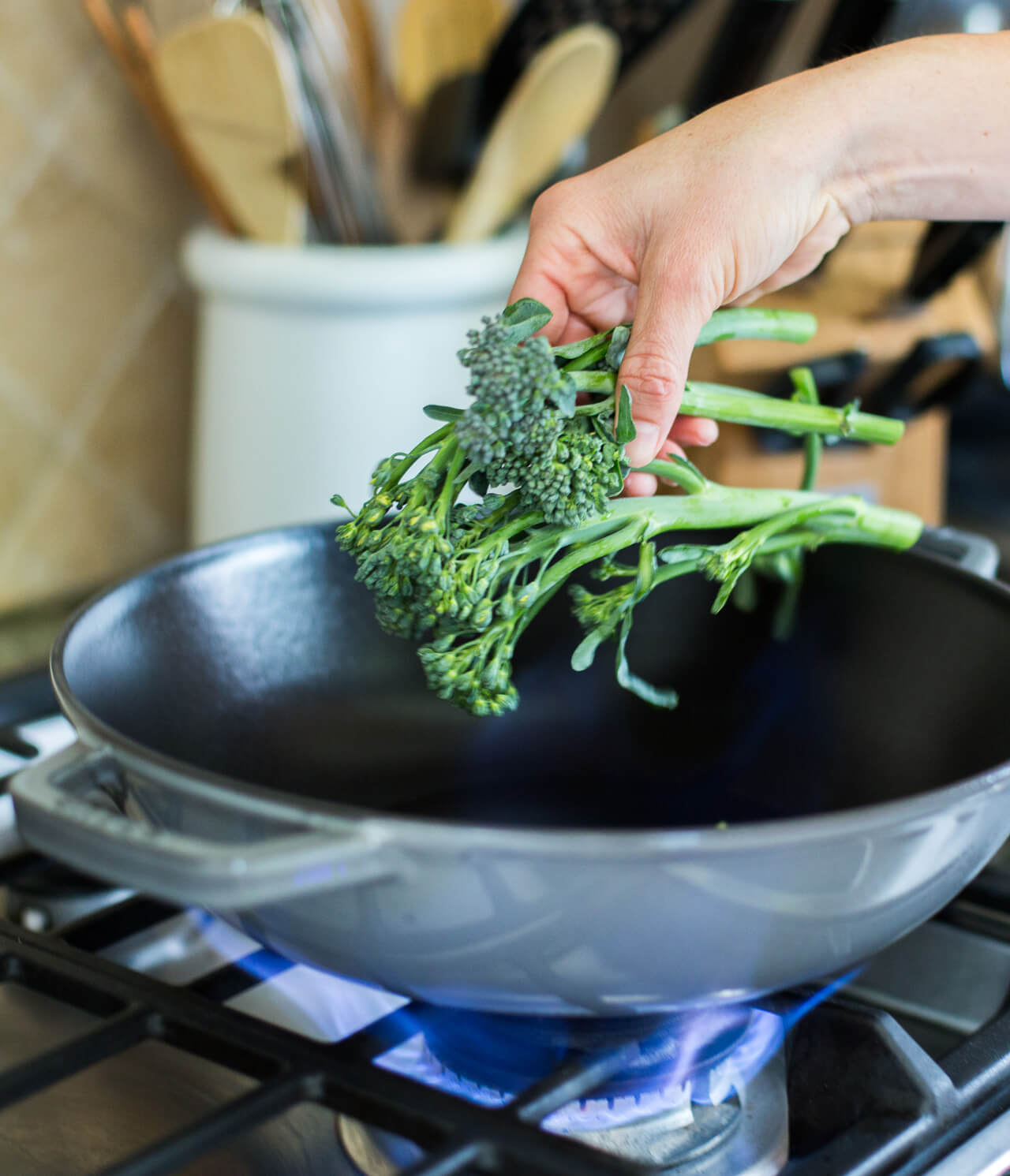 a healthy and easy side dish recipe for broccoli