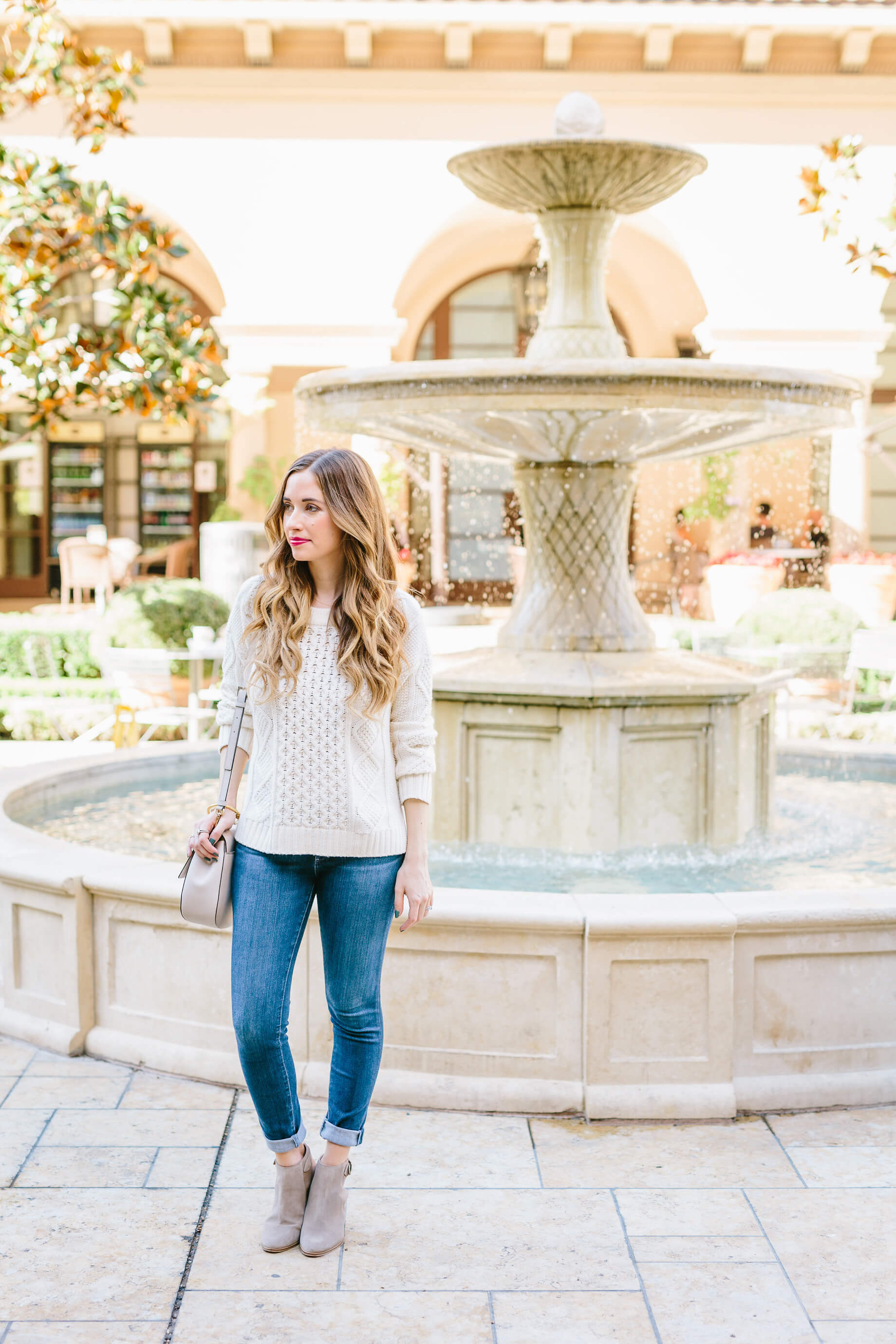 casual sweater outfit post