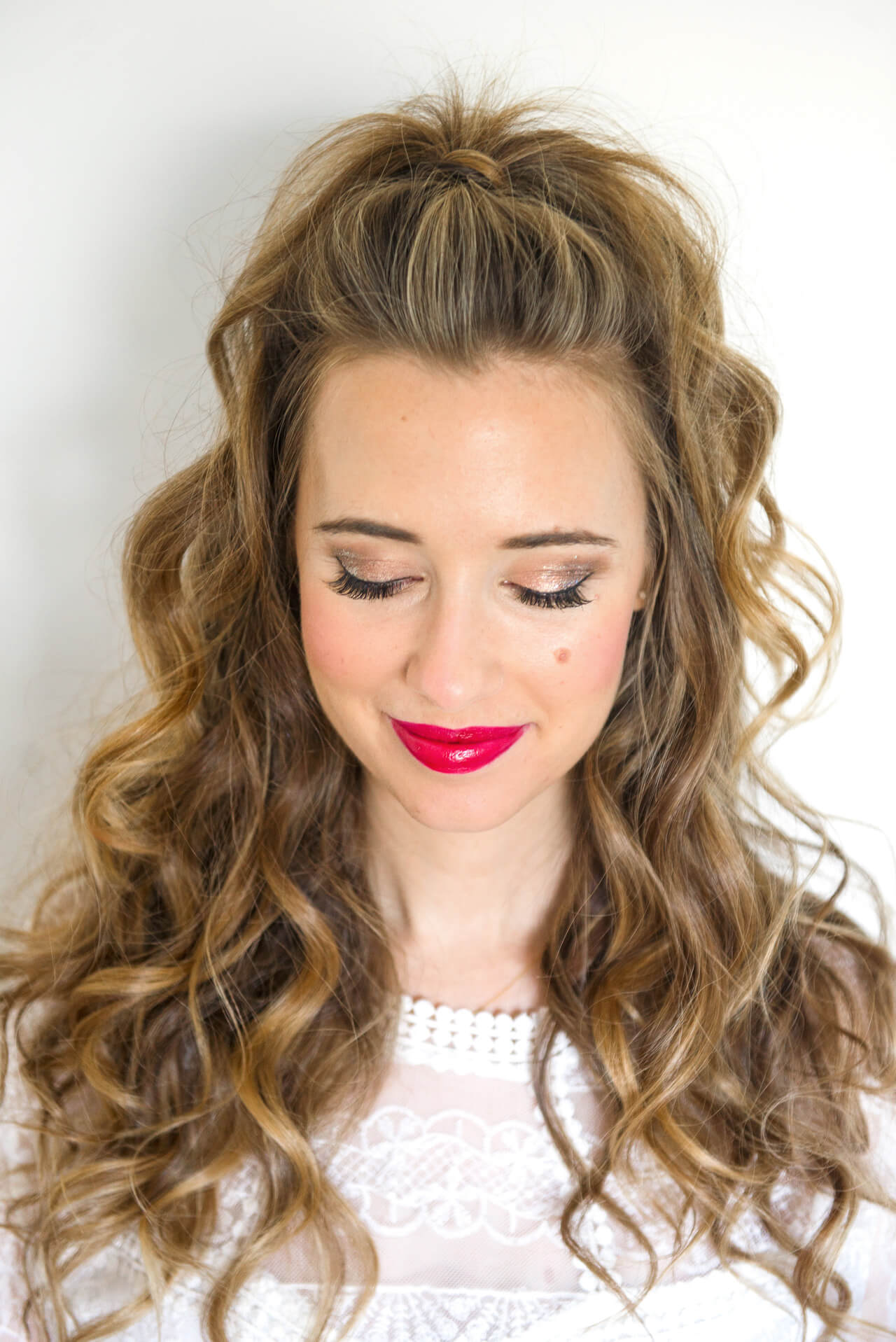 a feminine holiday makeup tutorial