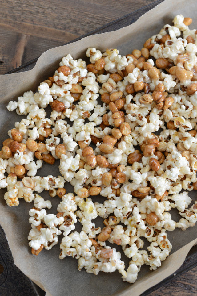 crackersnacks, a spicy take on the all american cracker jack recipe, M Loves M @marmar