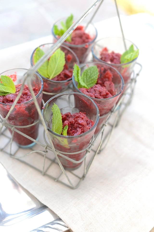 an easy 3 ingredient dessert that would be perfect for an end of summer party M Loves M @marmar