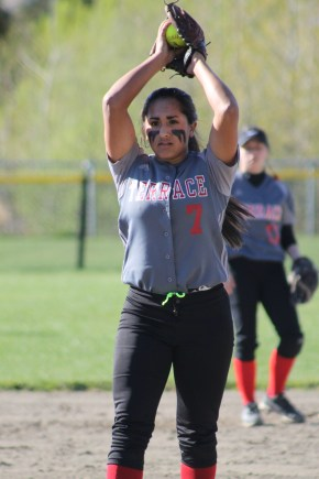 MTHS softball vs. Lynnwood, Mar. 30 060.jpg