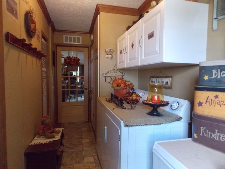 manufactured home decorating ideas primitive country style manufactured home holiday decor very merry double wide