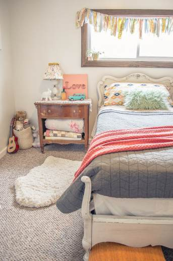 Manufactured home decorating ideas chantal 39 s chic country for Country girl bedroom ideas