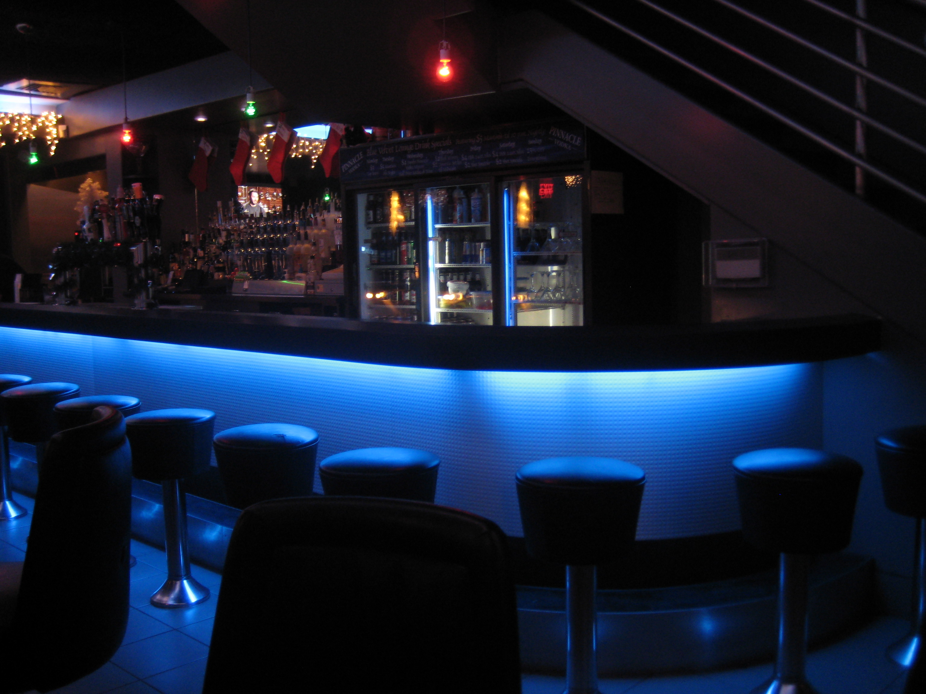 Blue Lounge Bar Review Blue Velvet Lounge Moda Magazine