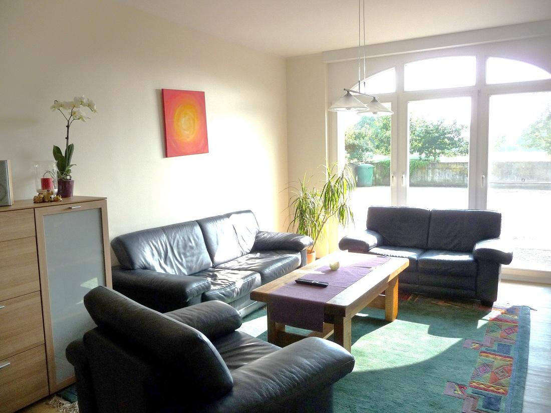 Sehr Großes Wohnzimmer Einrichten | Konstanz Wohnzimmertisch Und Led ...
