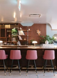 7 Comfortable Bar Chairs For Contract Projects | Modern Chairs