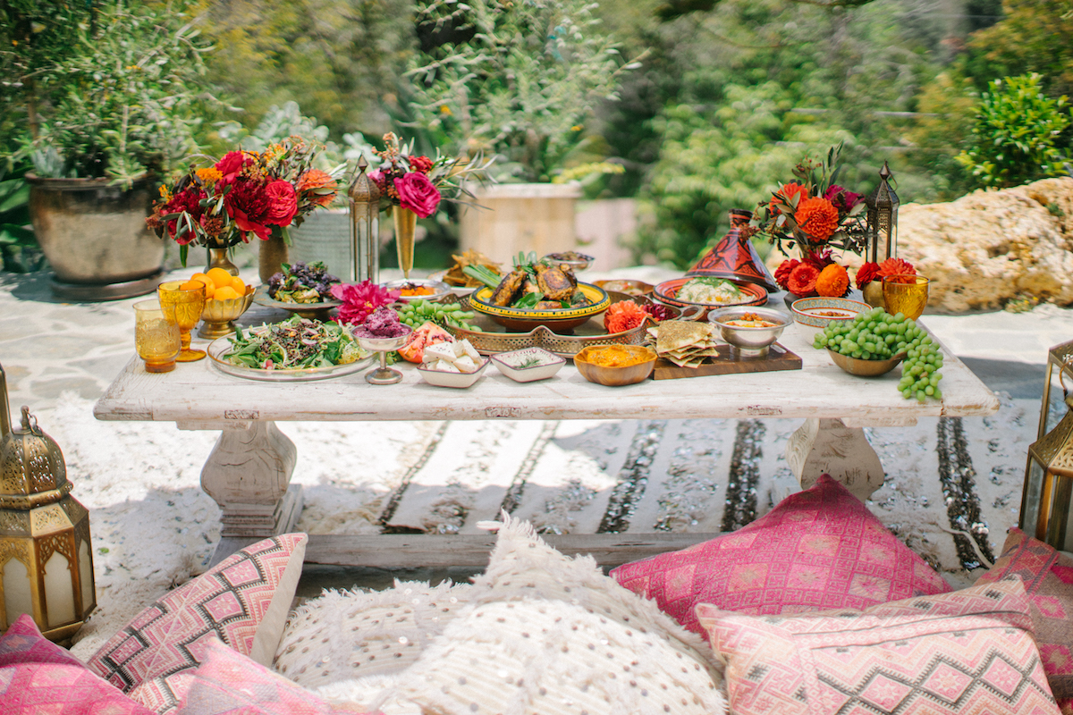 Picnic Decor How To Throw A Moroccan Themed Picnic Like A Pro Modern Dame