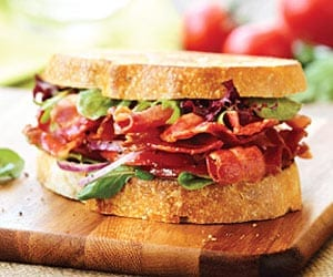 ultimate-bacon-sandwich-with-marinated-tomatoes-and-onions-12200010rca-ss