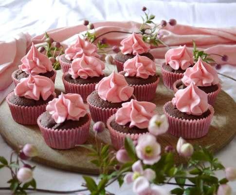 Chocolate, cherry and vanilla cupcakes