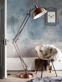 6 Old-Fashioned Floor Lamps to transform your home design