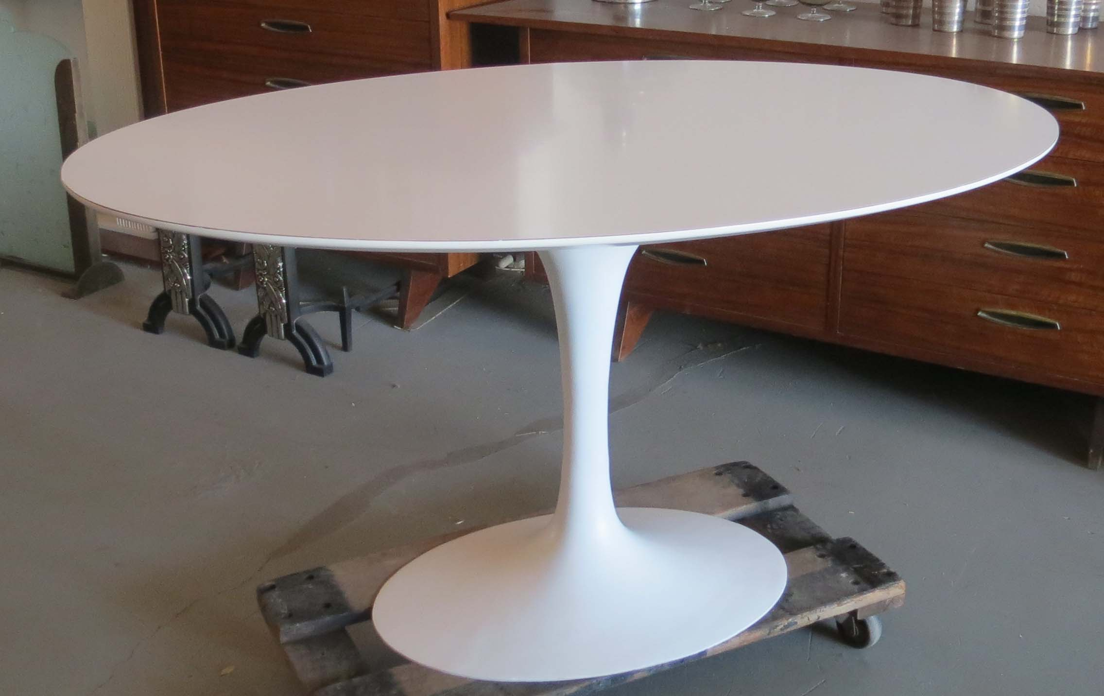 36 Tulip Table Saarinen Oval Tulip Table Modernism